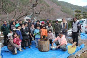 ②イベントの集合写真(川島で餅つき交流会)JPG